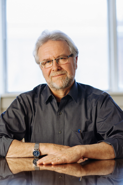 Bruce Campbell, Visiting Researcher   Bruce Campbell, Chercheur invité