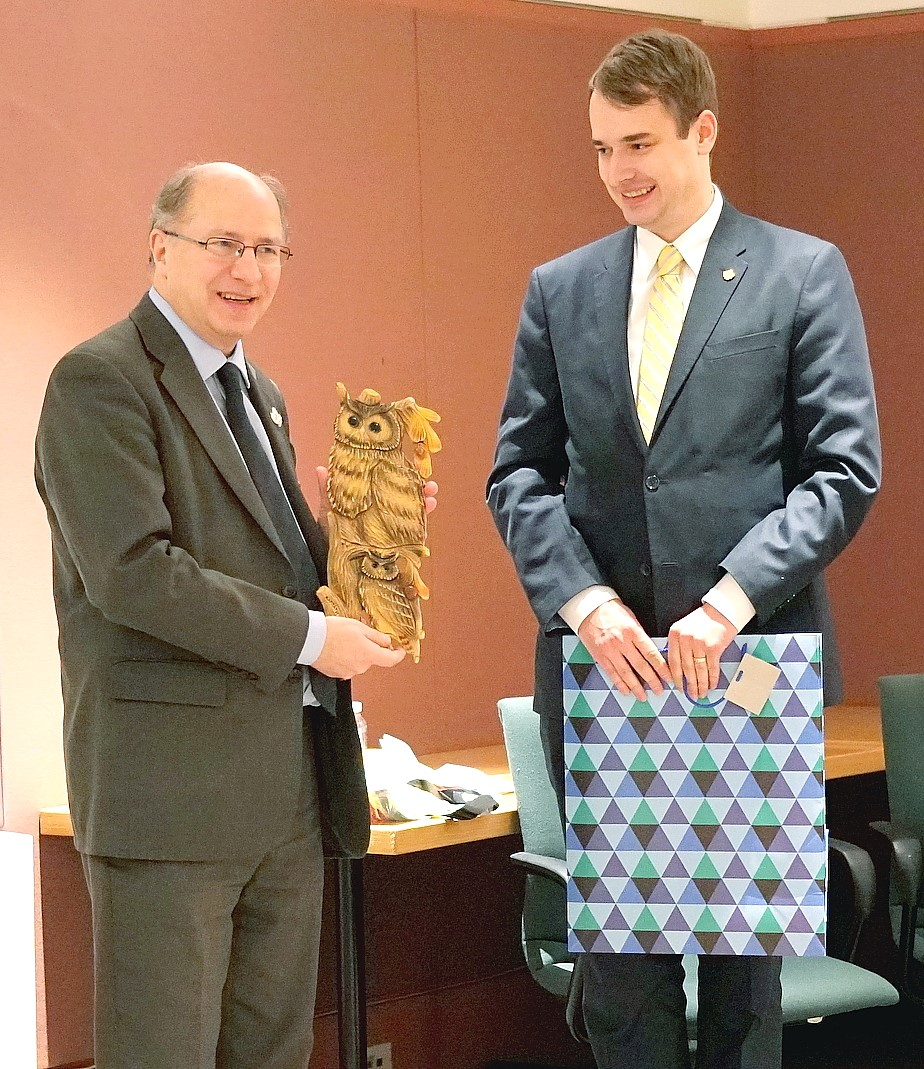 John Packer receives Carpathian Carved Owl from the Ukrainian National Federation of Canada