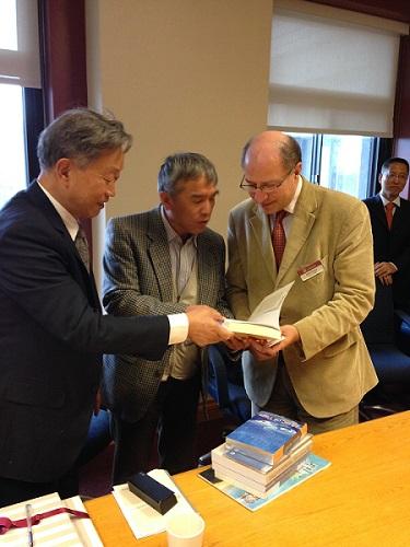 Visite de chercheurs sur les droits de la personne en Chine OCT 2014