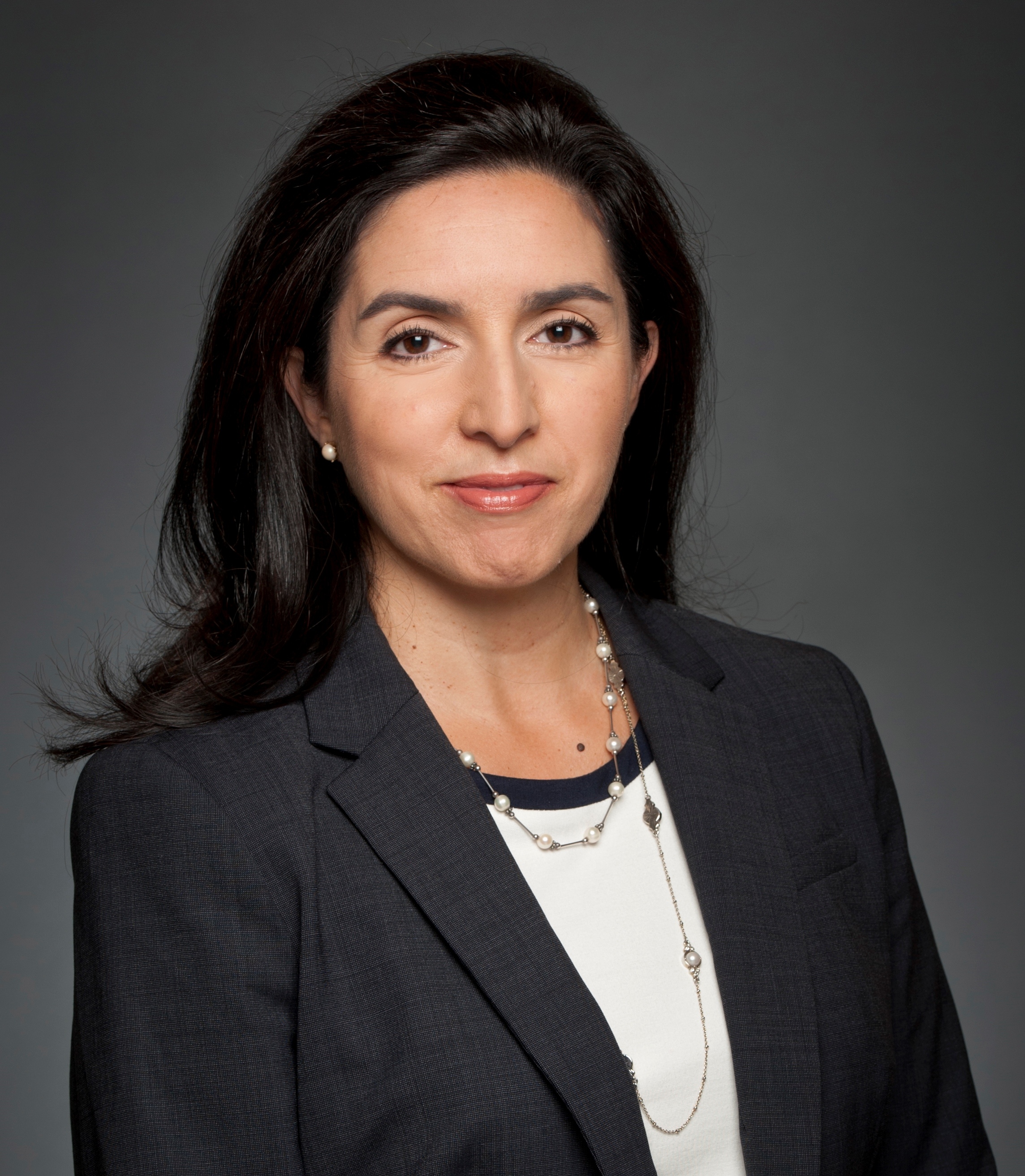 Viviana Fernandez - Assistant Director, HRREC | Directrice adjointe, CREDP